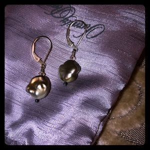 NIB Gray Fresh Water Pearl Earrings